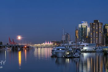Coal_Harbour_Moon_CH376Aws