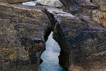 Natural_Bridge_Yoho_NB185A_ws