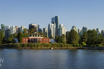 Vancouver_Skyline_Coalharb_2017_VS415A_ws